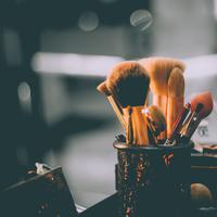 Ilustrasi makeup. (Foto: unsplash.com)