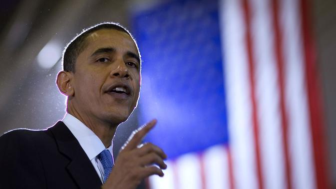 Barack Obama saat kampanye di Central Middle School Gymnasium di Waterloo, Iowa, AS (10/2/2007). Obama mengklaim memiliki warisan ikon anti-perbudakan Abraham Lincoln. (AFP PHOTO / MANDEL NGAN)