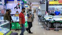Wali Kota Tangerang Arief R Wismansyah secara mendadak menginspeksi penerapan protokol kesehatan di Mal Tangcity, Kota Tangerang, Minggu (20/9/2020). (Liputan6.com/Pramita Tristiawati)