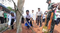 Wujudkan lingkungan hijau, Pemkot wajibkan satu siswa satu pohon. (foto: dok. Pemkot Tangerang)