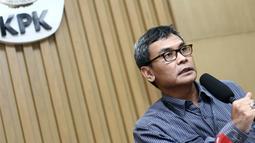 Selain mengamankan Yasin, KPK menangkap kepala dinas Kabupaten Bogor, Muhammad Zairin, dan seorang pihak swasta berinisial FXY di Sentul, Bogor, Rabu (7/5/2014) (Liputan6.com/Faizal Fanani).