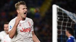 2. Matthijs de Ligt: 8 juta euro per tahun. (AFP/Marco Bertorello)