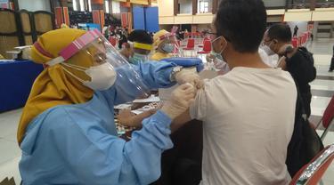 Percepat Capaian Vaksinasi di Malang Sasar Aktivis OKP sampai Mahasiswa Rantau