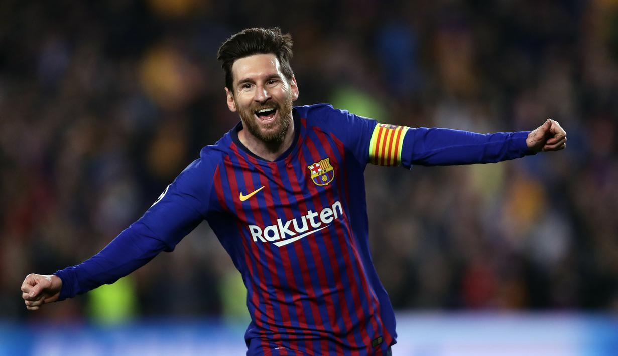 Striker Barcelona, Lionel Messi, melakukan selebrasi usai membobol gawang Manchester United pada laga Liga Champions 2019 di Stadion Camp Nou, Selasa (16/4). Barcelona menang 3-0 atas Manchester United. (AP/Manu Fernandez)