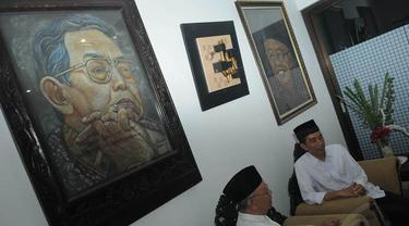 Ziarah ke Makam Gus Dur, Jokowi Dikerumuni Santri Tebu Ireng