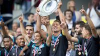 PSV Eindhoven menjadi juara Piala Super Belanda setelah mengalahkan Feyenoord Rotterdam, 1-0, di Amsterdam Arena, Senin (1/8/2016) dini hari WIB. (AFP/ANP/Jerry Lampen/Netherlands OUT)