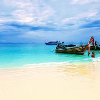 Phuket | unsplash.com/@deepain108