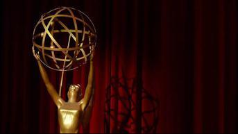 VIDEO: Emmy Awards 2021, Netflix Sabet Deretan Piala Kategori Utama
