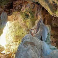 Gua Batu Cermin, Labuan Bajo, Flores, Nusa Tenggara Timur. (Sumber Foto: sarahazka/Instagram)