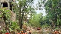 Tim Satuan Tugas Ciliwung menemukan anak Sungai Ciliwung, Sungai Cipakancilan, penuh dengan sampah. (Foto: Sekretaris Tim Satgas Ciliwung Kota Bogor, Een Irawan Saputra)
