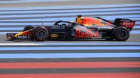 Pembalap Red Bull, Max Verstappen melakukan sesi latihan pertama (FP1) di Sirkuit Paul-Ricard di Le Castellet, Prancis Selatan pada (18/06/2021), dua hari menjelang Grand Prix Formula Satu Prancis (AFP/Nicolas Tucat)