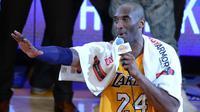 Bintang Los Angeles Lakers, Kobe Bryant, menyudahi 20 tahun kariernya di ajang NBA dengan mencetak 60 kontra Utah Jazz, Kamis (14/4/2016)