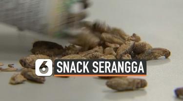 Sebuah perusahaan di Thailand mengubah serangga menjadi snack kemasan yang lezat. Tiap bulannya, perusahaan ini mampu memproduksi 2 ton serangga. Tak hanya itu, perusahaan juga meraup keuntungan miliaran rupiah per bulannya.