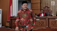 Ekspresi Wakil Ketua DPR Fahri Hamzah usai menjadi saksi sidang lanjutan kasus penyebaran berita bohong atau hoaks dengan terdakwa Ratna Sarumpaet di PN Jakarta Selatan, Selasa (7/5/2019). Selain Fahri Hamzah, sidang menghadirkan karyawan Ratna Sarumpaet dan ahli bahasa. (Liputan6.com/Faizal Fanani)