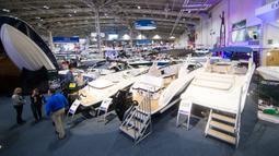 Suasana Pameran Perahu Internasional Toronto 2020 di Toronto, Kanada, Jumat (17/1/2020). Pameran perahu dalam ruangan terbesar di Amerika Utara ini digelar di Toronto mulai 17 hingga 26 Januari 2020. (Xinhua/Zou Zheng)