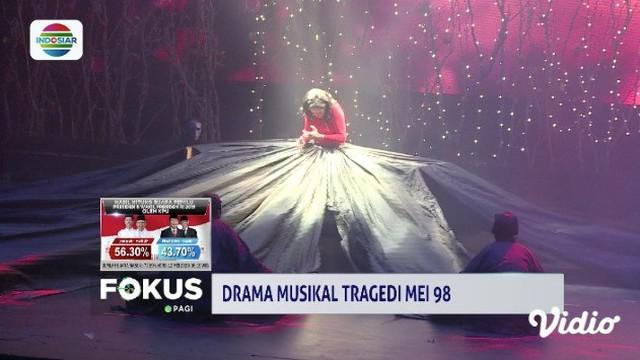 Untuk memperingati tragedi Mei 1998, RS Santo Carolus menggelar drama musikal berjudul Kemuning Mempelai Bekalang Luka.