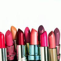 Lipstik merupakan sebuah harta karun bagi wanita. iya kan?