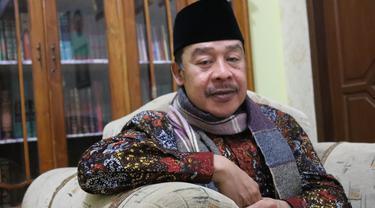Pengasuh Pondok Pesantren Buntet Cirebon KH Adib Rofiudin