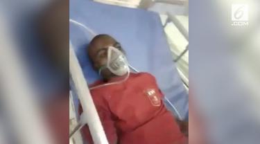 Beredar video seorang pria yang menunjukkan gejala aneh usai digigit anjing rabies. Pasien tersebut menggonggong layaknya seekor anjing.