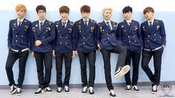 Peran RM sebagai seorang leader pun dirasakan oleh para personel lainnya. Salah satunya adalah Suga yang bersykur RM ditunjuk sebagai leader. (Foto: soompi.com)