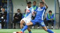 Gelandang Empoli, Rade Krunic, selangkah lagi akan bergabung dengan AC Milan. (AFP/ANDREAS SOLARO)