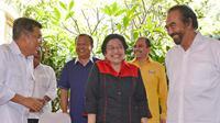 Megawati menambahkan, PDIP tak mau bersikap arogan dalam proses pemenangan Jokowi dan JK sebagai capres dan cawapres.