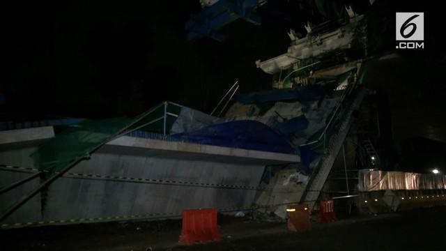 Wagub DKI Sandiaga Uno membeberkan penyebab robohnya proyek LRT Kayu Putih