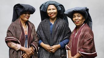 Misi Pelestarian Kain Ulos sekaligus Kedepankan Isu Pemberdayaan Perempuan