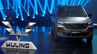 Almaz RS produk pertama memakai logo baru Wuling (Otosia.com/Nazar Ray)