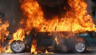 Ilustrasi Mobil Terbakar (iStockphoto)