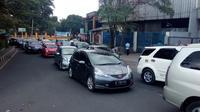 Antrian kendaraan saat akhir pekan menjadi pemandangan baru di kabupaten Garut, Jawa Barat (Liputan6.com/Jayadi Supriadin)