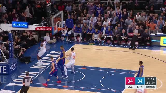 New York Knicks mengalahkan Los Angeles Clippers dengan skor 107-85 dalam lanjutan pertandingan NBA 2017-2018.