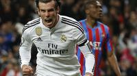 Bintang Real Madrid Gareth Bale merayakan gol ke gawang Levante (reuters)
