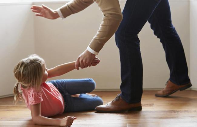 Orangtua Memukul Anak | Foto: Copyright nydailynews.com