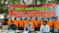 Polresta Bandara Soetta mengungkap kasus pencurian sepeda motor, Kamis (15/10/2020). (Liputan6.com/ Pramita Tristiawati)