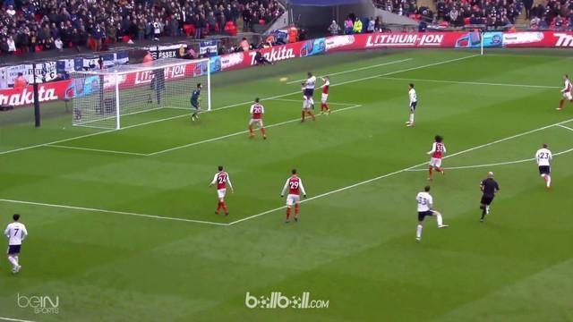 Harry Kane menjadi pencetak gol kemenangan Tottenham Hotspur atas Arsenal. This video is presented by Ballball.