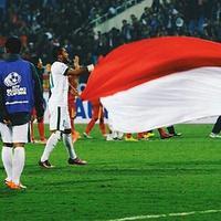 Indonesia dan Thailand bertemu dalam final piala AFF 2016. Bermain di kandang bagi Indonesia pada leg pertama final itu, para selebriti memprediksi Timnas Indonesia menang, meski tipis. (Instagram/timnas.indonesia)