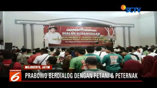 Safari politik ke Mojokerto, Jawa Timur,Prabowo Subianto berdialog dengan petani dan peternak di GOR Seni Majapahit.