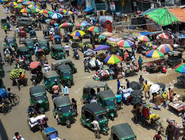 Ramainya Pasar Tradisional di Bangladesh Saat Lockdown