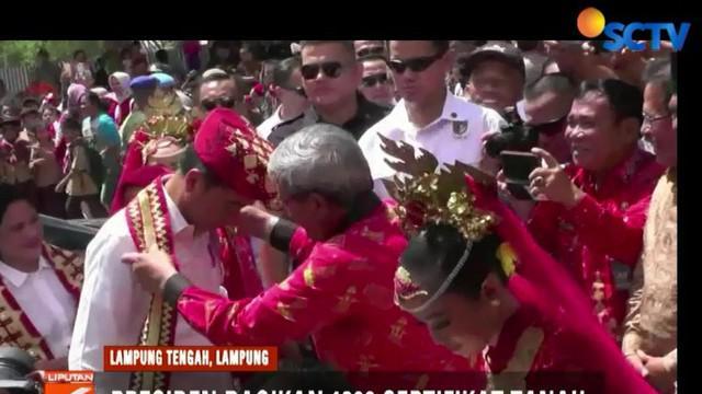Selama dua hari di Lampung, Presiden Joko Widodo diagendakan akan melihat progres pembangunan jalan tol Trans Sumatera ruas Lampung Tengah dan bertemu sejumlah ulama di Lampung Timur.