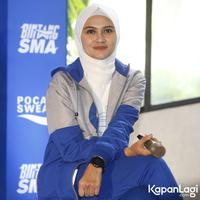 Zee Zee Shahab di acara Pocari Sweat Bintang SMA di kawasan Kemang, Jakarta Selatan, Kamis (12/9/2019). (Akrom Sukarya/Kapanlagi.com)