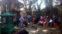 Pengunjung taman satwa Cikembulan, Garut (Liputan6.com/Jayadi Supriadin)