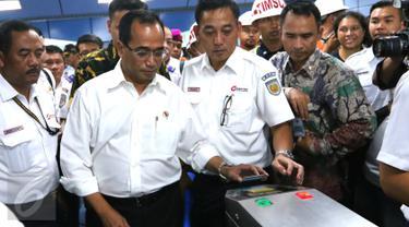Menteri Perhubungan Budi Karya Sumadi meminta kepada seluruh jajaran Kementerian Perhubungan untuk segera menghentikan praktik KKN.