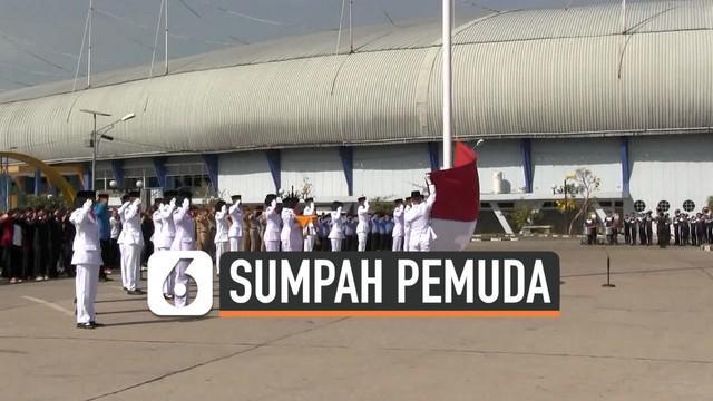 Gubernur Jawa Barat Ridwan Kamil meminta penaikkan bendera dalam Upacara Sumpah Pemuda diulangi karena bendera sempat tidak bisa dikerek naik.