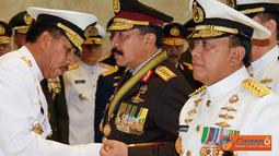 Citizen6, Jakarta: Penyematan bintang Angkatan kelas Utama TNI dalam upacara militer di Mabes TNI Cilangkap, Jakarta Timur, Senin (15/8).(Pengirim: Badarudin Bakri)