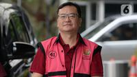 Komisaris PT Hanson International Tbk (MYRX), Benny Tjokrosaputro bersiap untuk menjalani pemeriksaan oleh penyidik Kejaksaan Agung di Gedung KPK, Jakarta, Jumat (31/1/2020). Benny diperiksa sebagai tersangka terkait kasus dugaan korupsi di PT Asuransi Jiwasraya (Persero). (merdeka.com/Dwi Narwoko)