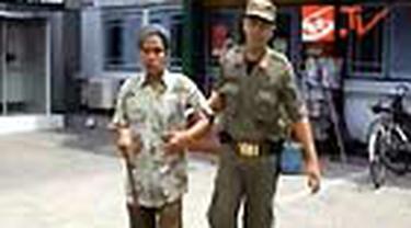 Menjelang Ramadan, Satpol PP Kota Tegal, Jateng, menggelar razia gelandangan dan anak jalanan. Menurut data Satpol PP, jumlah gelandangan meningkat belakangan ini.