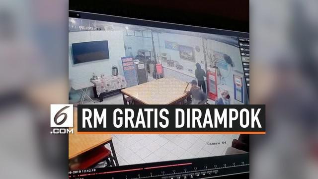 Rumah makan gratis di Jalan Raya Ciangsana, Kabupaten Bogor dimasuki gerombolan garong. Perisitwa itu terkeram kamera pengintai.