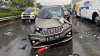 Kecelakaan lalu lintas di Tol Jagorawi Km 3, Senin 14 September 2020. (Dok Twitter @TMCPoldaMetro)