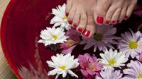 merendam kaki (sumber: Pixabay)
